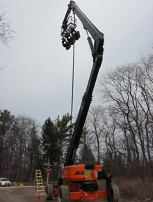 125' Rough Terrain Articulating Booms