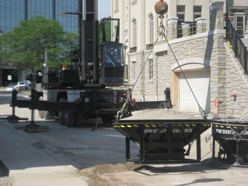 Cranes & boom trucks 21