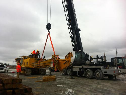 Cranes & boom trucks 24