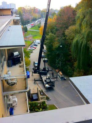 Cranes & boom trucks 28